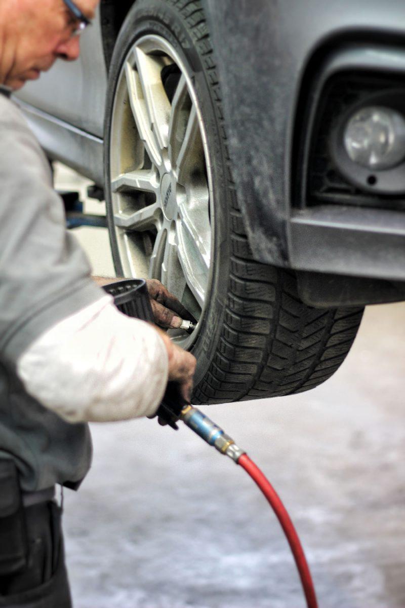 Autoservice Hodenhagen bietet eine moderne Werkstatt für PKW und Nutzfahrzeuge
